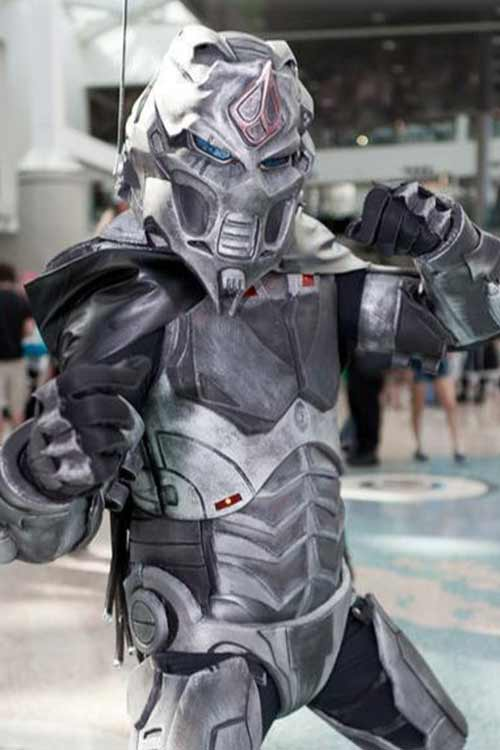 Cosplay Friday: Mortal...